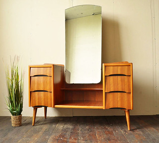 Avalon Yatton dressing table