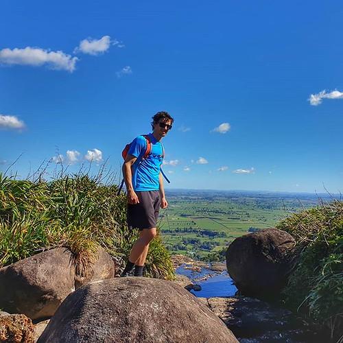 Love spending time with my big son @thenoddingacquaintance #wairerefalls #topoftheworld #trailrunning #hauora | by easegill