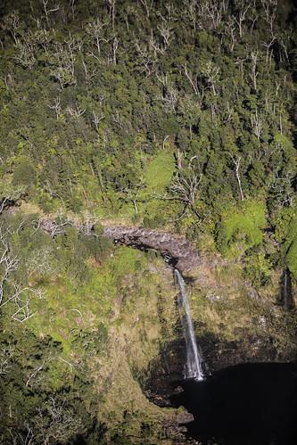 hawaii hiloarea helicopter rainforest hilowatershedreserve waterfall cascade pool falls stream watercourse gully creek river wyojones np
