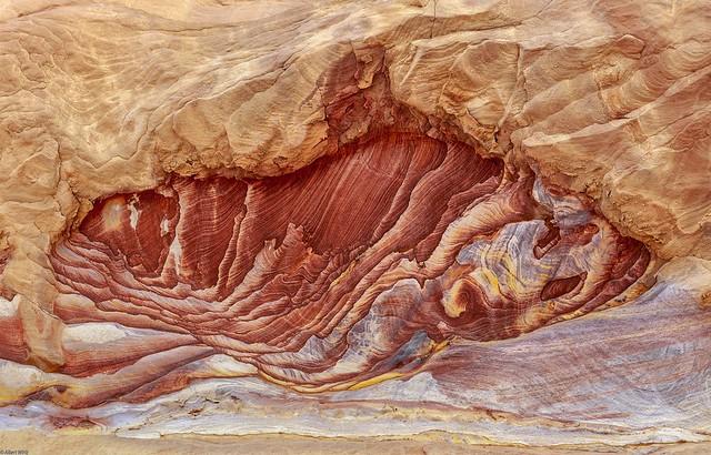 *Sinai @ natural rock art*
