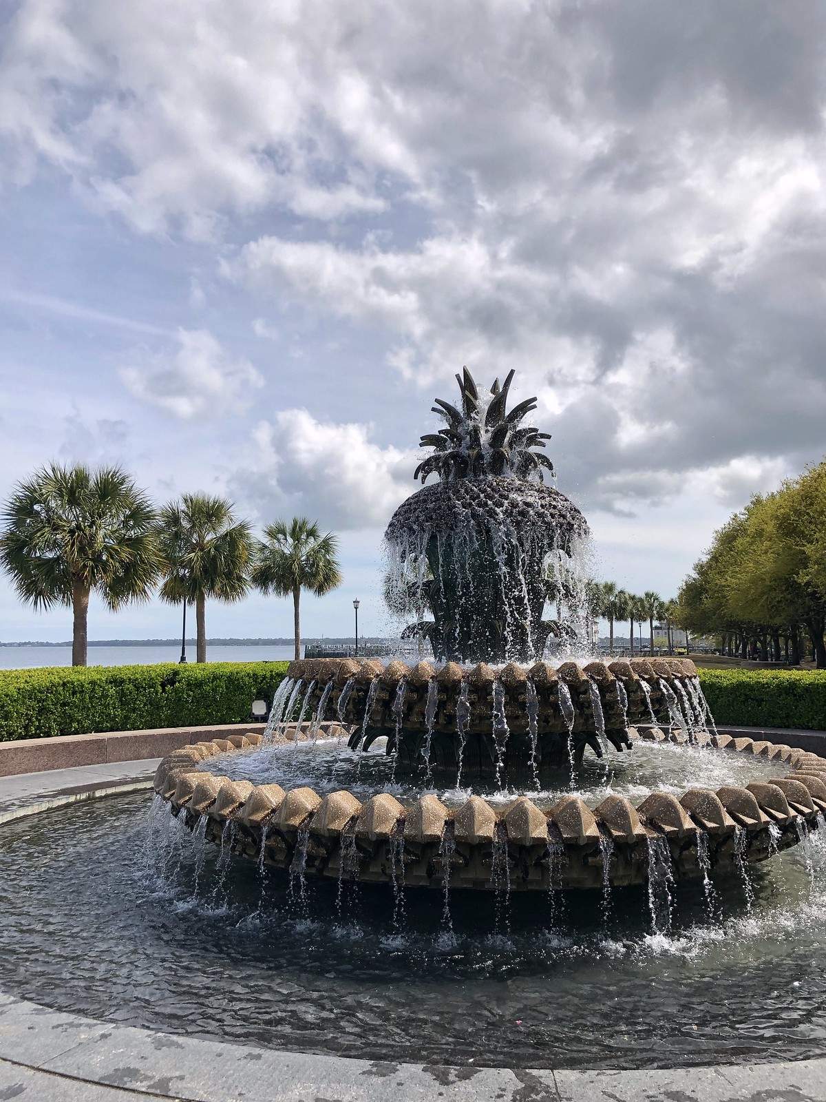 Famous Pineapple Fountain | What to do in Charleston | First Timer's Guide to 3 Days in Charleston South Carolina | Charleston Travel Guide | Best Things to do in Charleston | Best Places to visit in Charleston