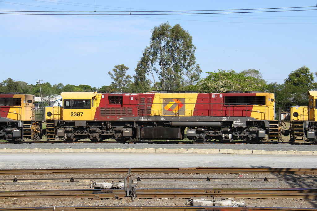 2387 stored at Rockhampton by David Arnold