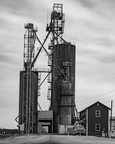 leesburg indiana grain elevator bw a7iii sony70300g