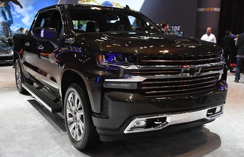 2020 Chevrolet Silverado High Country Photo