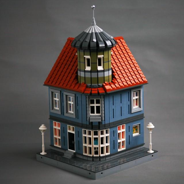 [MOC] Corner Tower House