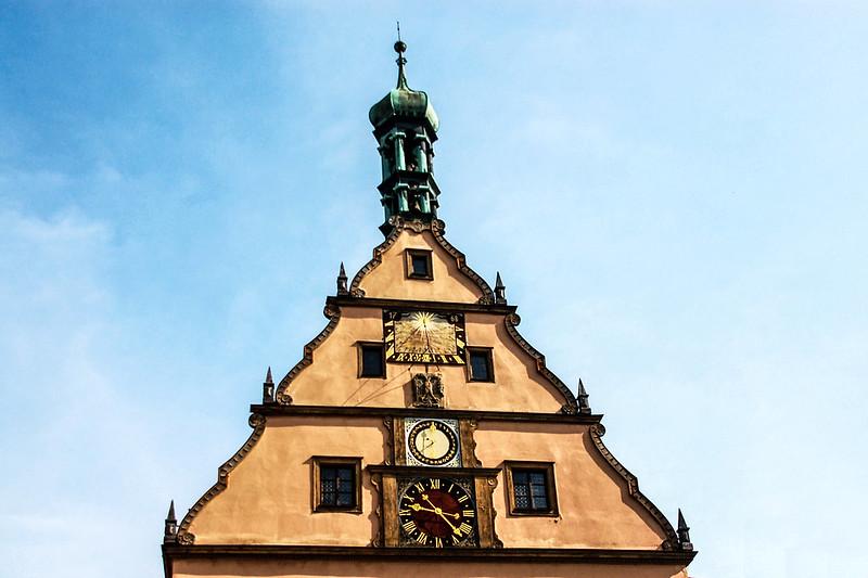 羅騰堡市集廣場上的鐘樓