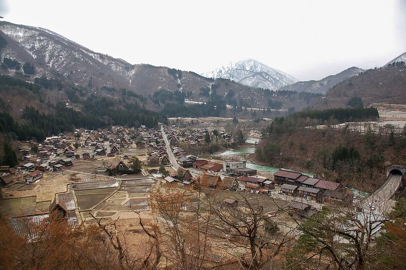 俯瞰白川鄉合掌造聚落 (2)