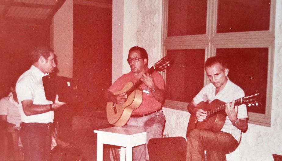 Amigo de Machadinho, Emir Bemerguy fez poemas e letra de música para o seresteiro, Emir Bemerguy e Machadinho