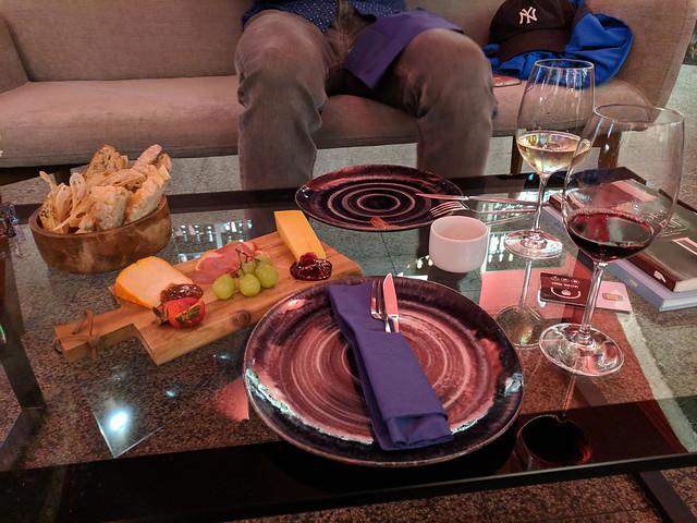 1 meat, 2 cheese plate @ Mundo do Vino