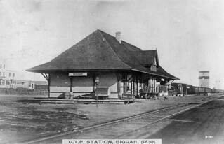 Grand Trunk Pacific Railway station, Biggar, Saskatchewan / Gare du Chemin de fer du Grand Tronc, Biggar (Saskatchewan)