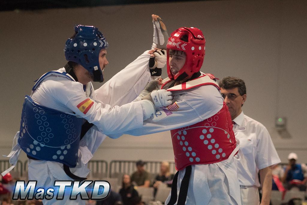 Raúl Martínez (peto azul) disputando el US Open Taekwondo G2 2019, en Las Vegas, Estados Unidos. Foto: Esteban Mora/MasTKD.com