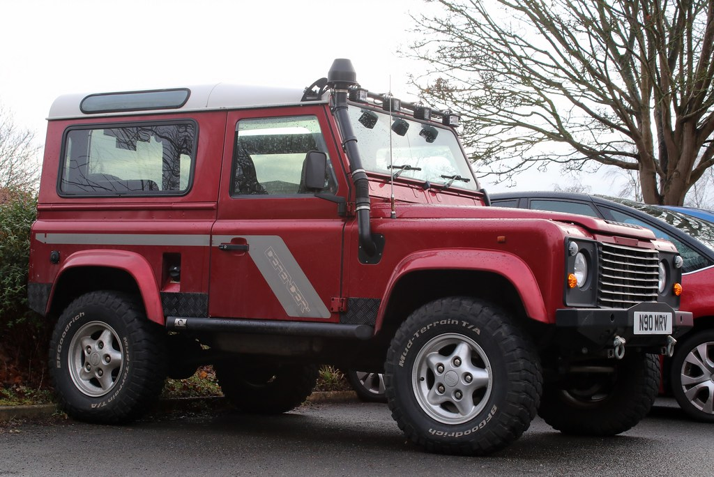 N90 MRV | 1995 Land Rover Defender 90 Tdi County station wag