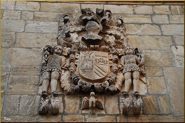 Blasón en Pesquera de Ebro (Castilla y León, España, 29-6-2011)