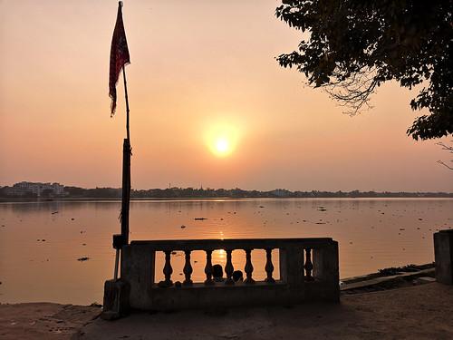 barrackpore kolkata ganges sunset structure pair admirer river riverbank riversunset draskd smartphonephotography