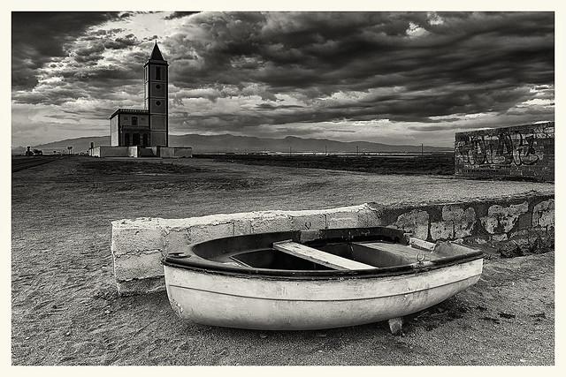 barcas e iglesias