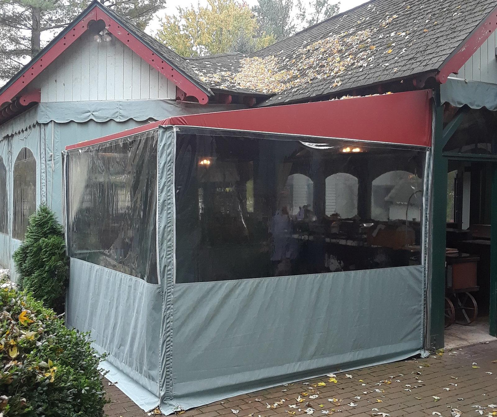 Restaurant-Enclosure-Hoffman-Awning
