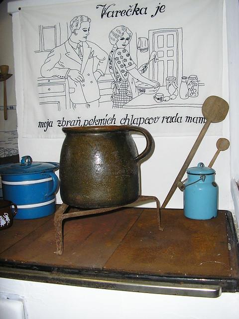 stojan pod hrniec - trajfúz
