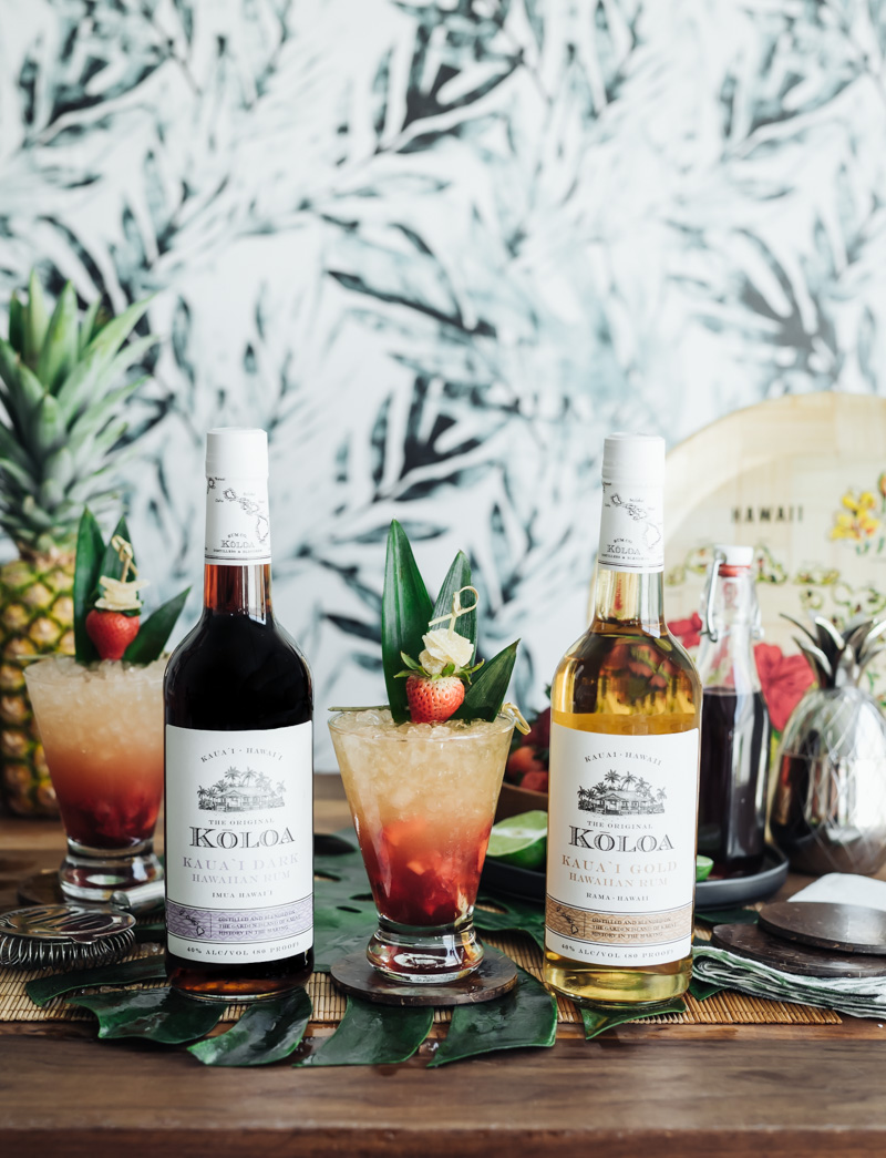 Hawaiian Honi Cocktail (Strawberry Hibiscus Rum Smash Cocktail) www.pineappleandcoconut.com