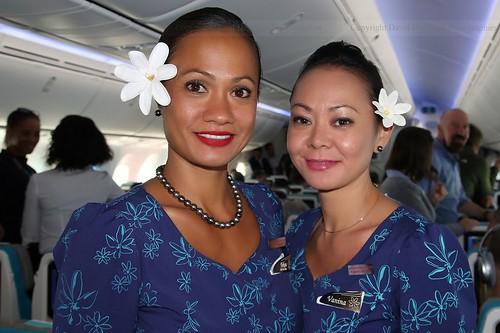 Superbes hôtesses de la compagnie Air Tahiti Nui.