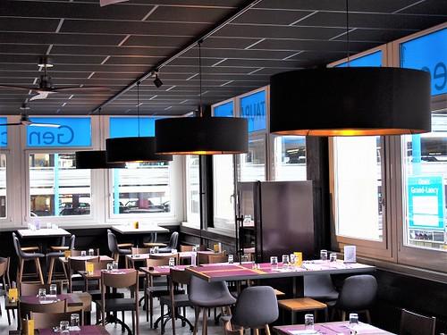 Abatjour-restaurant-noir-cuivre-Geneve-grand format-xxl-jade creation-600x450