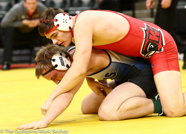195 - Semifinal - Lincoln Shinn (Willmar) 34-1 won by decision over Peter Moen (Bemidji) 36-10 (Dec 4-1) - 190302amk0166