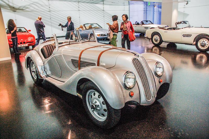 1936 BMW 328 .
