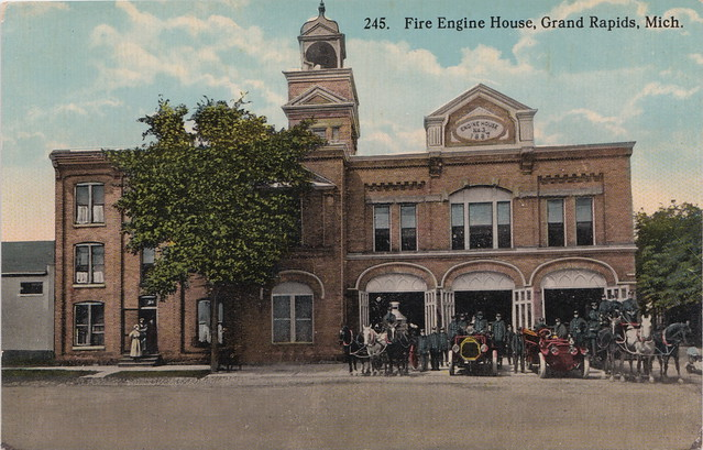 SW Grand Rapids MI c.1908 FIREMEN AND EQUIPMENT AT FIREHOUSE No. 3 523 Front NW MOTORIZED and Horse Drawn Fire Engines and Hose Wagons built in 1887
