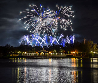 Illuminations from Boardwalk blue and white fireworks | by gamecrew7