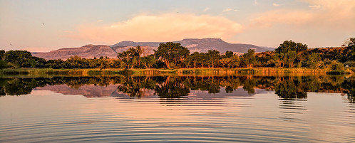 trip trees sunset summer panorama usa lake reflection water us google colorado unitedstatesofamerica cellphone august roadtrip pixel ripples palisade clifton android goldenhour 2018 googlepixel pixelxl palisadetrip