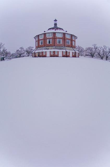 春の雪 清春芸術村 ラ・リューシュ