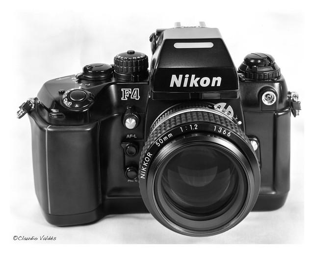- Nikon F4 -