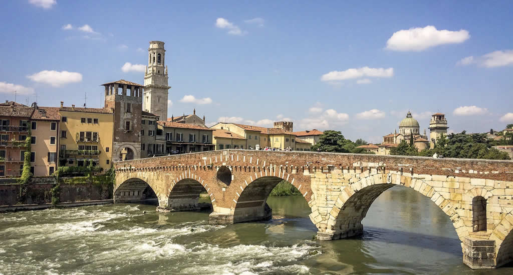 Verona: Ponte Pietra | Mooistestedentrips.nl