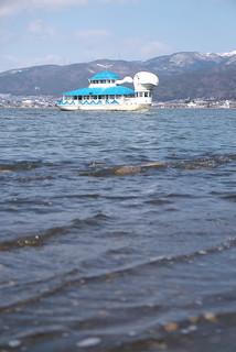 諏訪湖の遊覧船   by Tokutomi Masaki