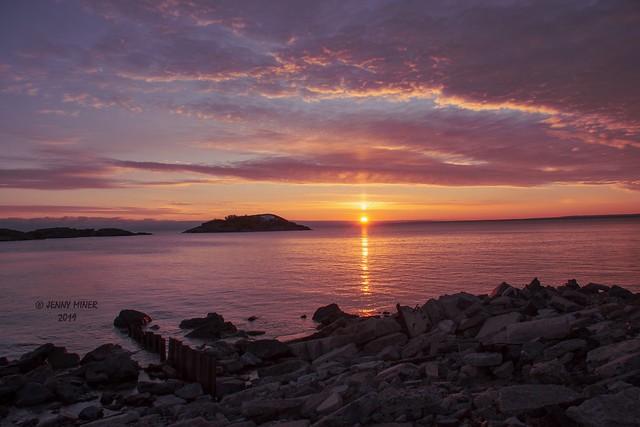Lake Superior Sunrise_explore