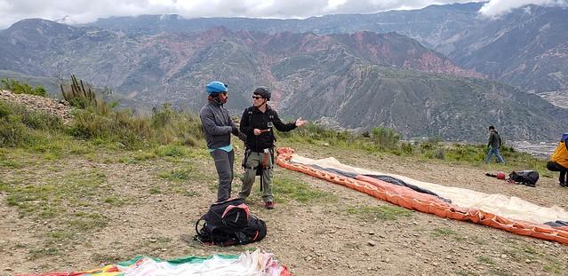 Tandem Paragliding at Huajchilla Platform, Comunidad Llacasa (Rio Abajo), La Paz, Bolívia.