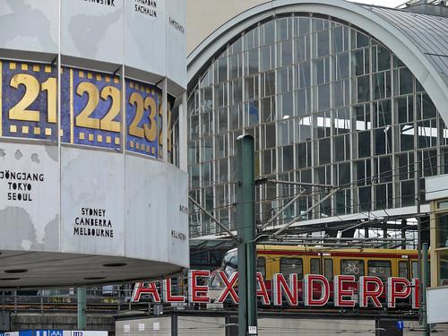 Die Weltzeituhr und S-Bahnhof Alexanderplatz, Berlin | by Chris Alban Hansen