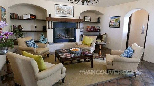 Santa Barbara/Spanish Garden Inn   by Vancouverscape.com
