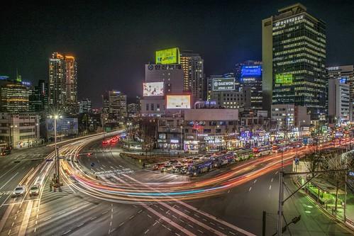 seoul station night view trajectory long time building car 7017 bridge way 도시 하늘 빌딩 고층 건물 스카이라인 길