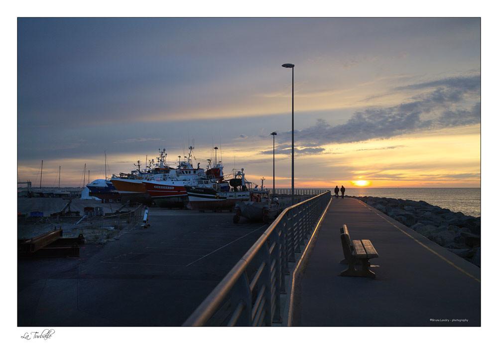 Soleil couchant au port de La Turballe