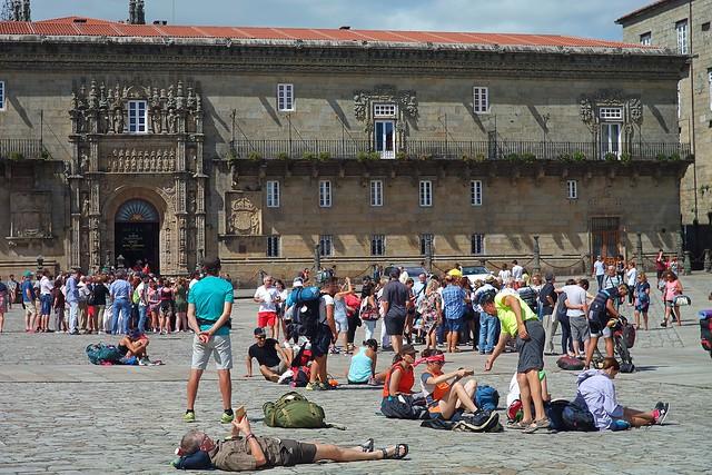Plaza del Obradoiro en Santiago de Compostela (2017), peregrinos y turistas