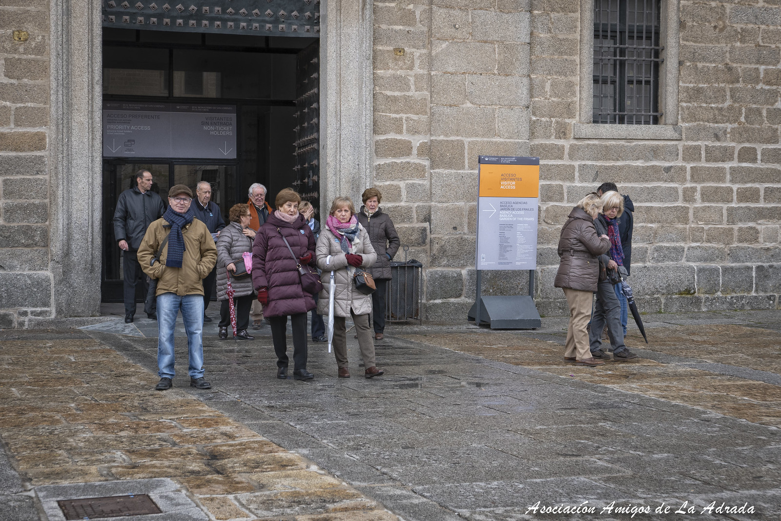 Fin de la visita al Monasterio