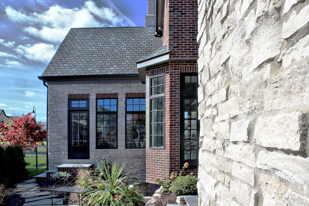 Fond du Lac Country Squire & Brick Veneer - Real Stone Hom… | Flickr
