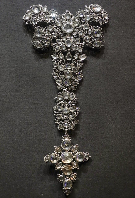Bodice ornament, probably England, about 1760, rock crystals and paste glass with foiled settings in silver