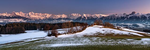 Panorama sur les Alpes bernoises (Switzerland)