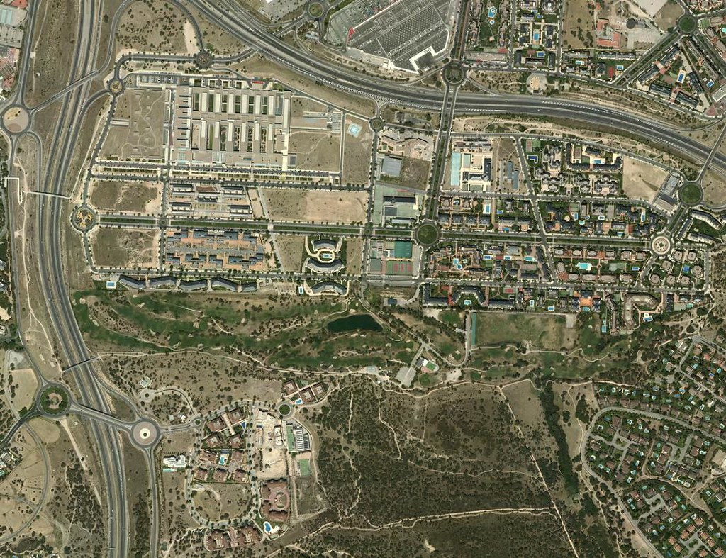 hospital puerta de hierro, majadahonda, madrid, 25 años en comor, después, urbanismo, planeamiento, urbano, desastre, urbanístico, construcción, rotondas, carretera