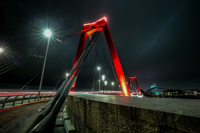A bridge to cross / Rotterdam