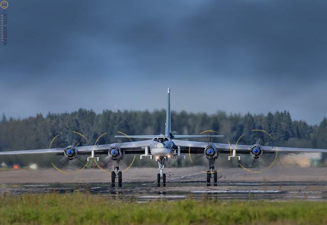 Ту-95 Медведь / Tu-95 Bear