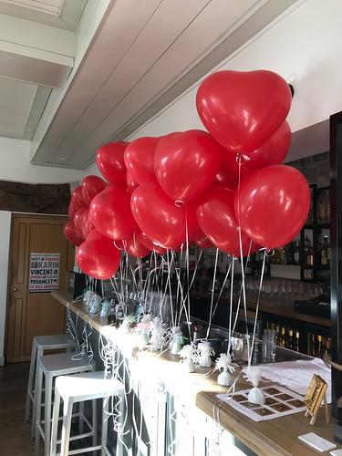 Tafeldecoratie 2ballonnen Hartballonnen Valentijnsdag Brasserie Stadhuis Schiedam | by Globos Ballonnen