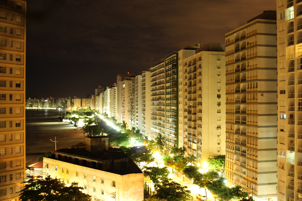 Guarujá at night