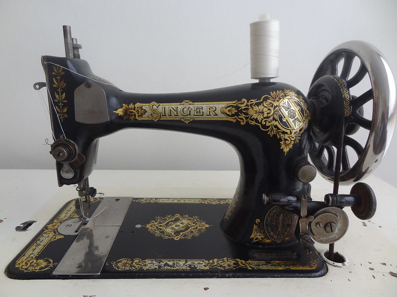 Singer 28K Treadle Sewing Machine, Serial Number F509343